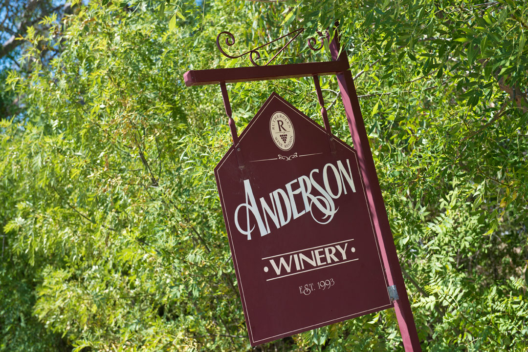 Anderson Winery red welcome sign